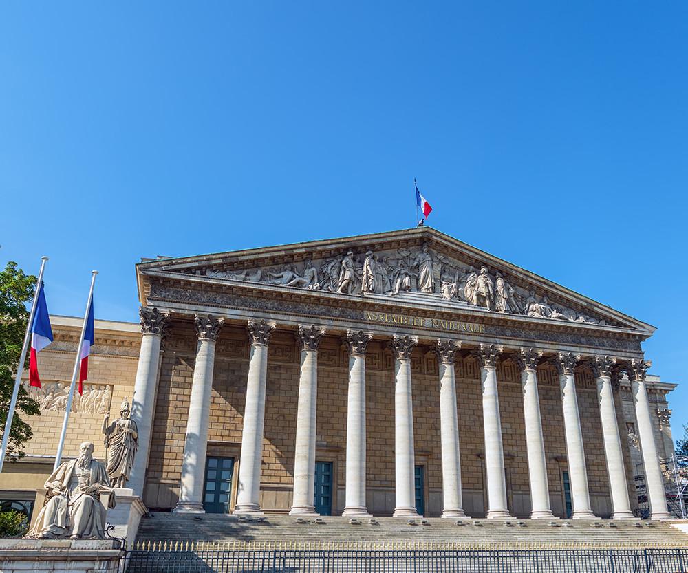 La Loi Sapin 2 : un rapport parlementaire formule 50 recommandations pour rénover la lutte contre la corruption en France